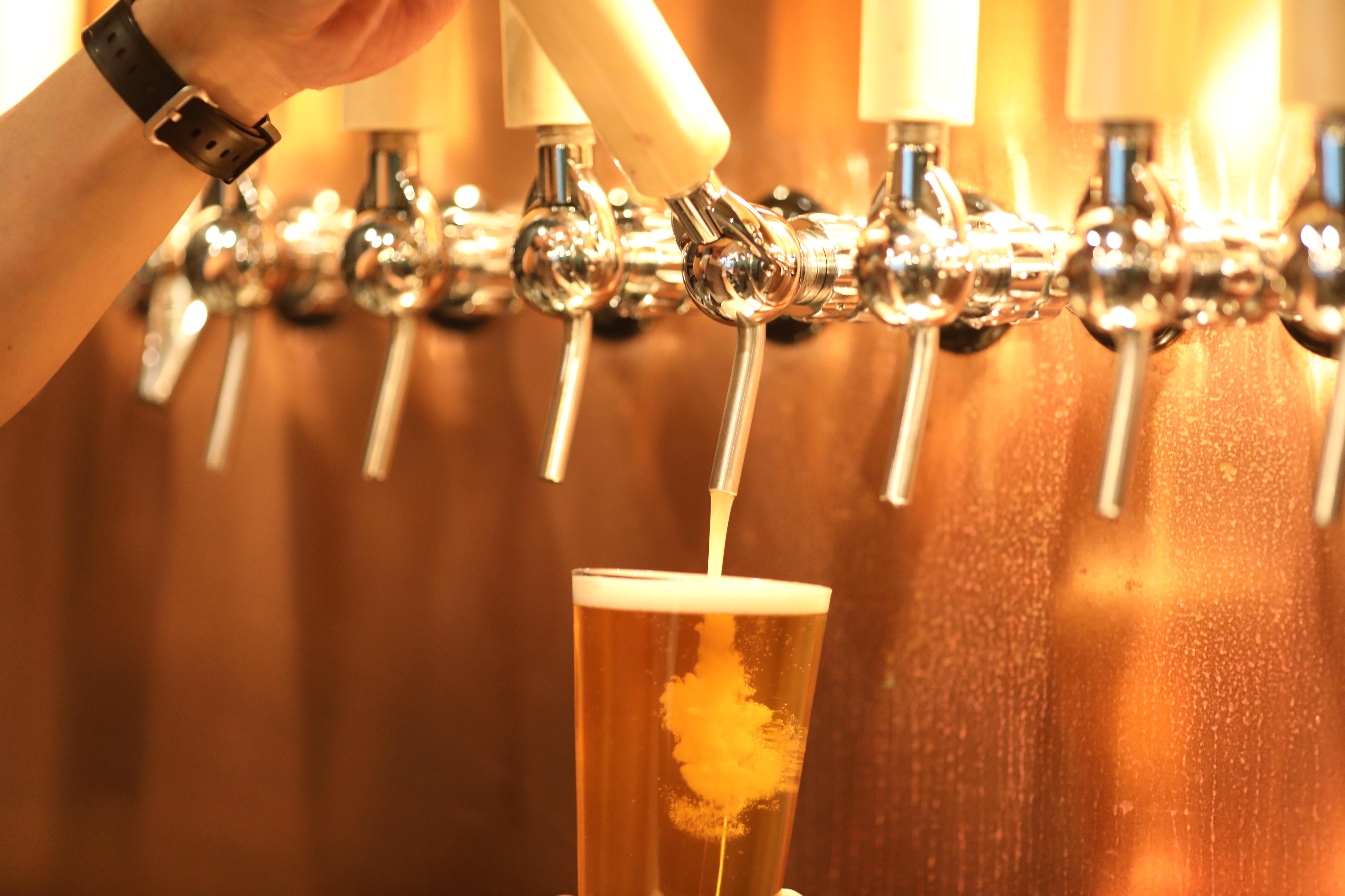 ビール、サーバー